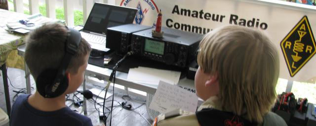 Boy Scouts at an event hosted in the Southern Florida ARRL Section