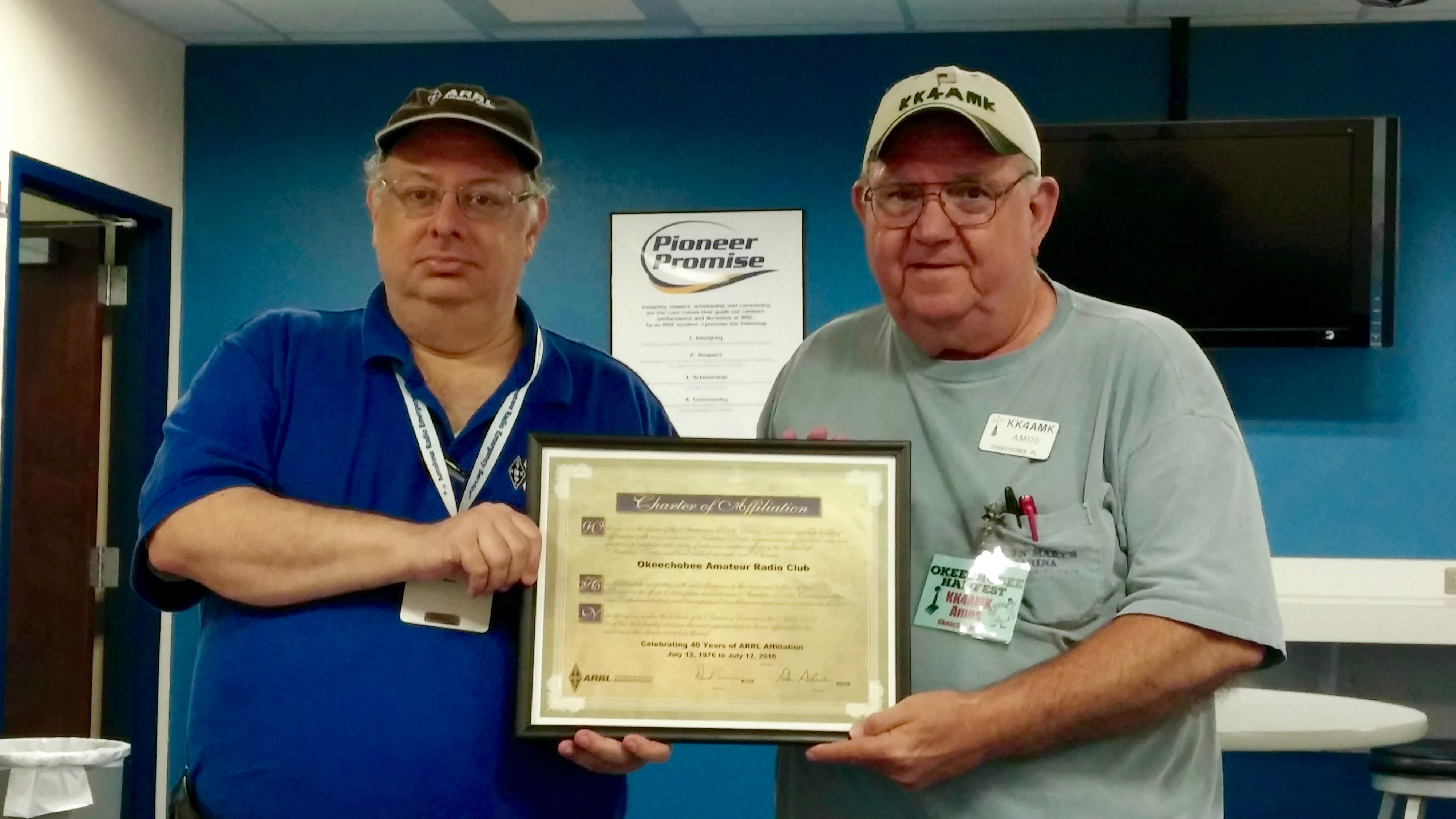 Presentation of 40 Years of ARRL Club Affiliated Certificate